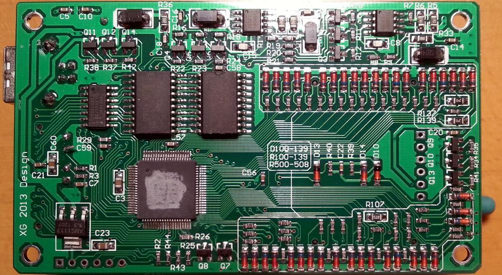 Placa con microcontrolador ocultado.