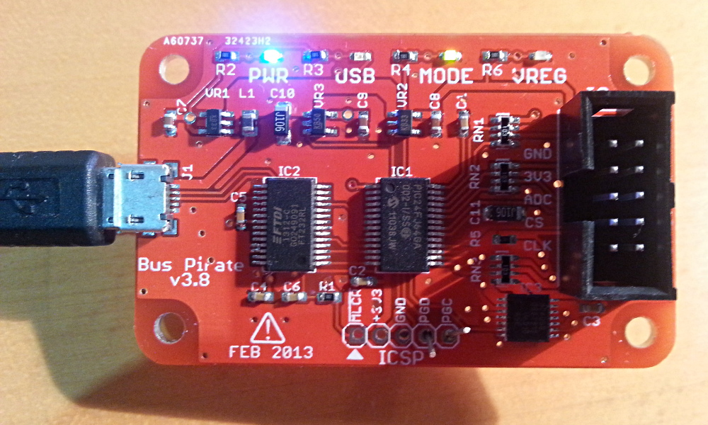 Bootloader activado: se enciende el LED de MODE.